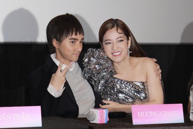 """Hoa hậu Hương Giang xuất hiện với hình ảnh nam giới, thừa nhận phải giấu bớt """"cốt đàn ông""""  - Ảnh 1."""