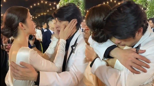 """Điểm lại """"năm hỷ"""" 2019 của showbiz Việt: Hôn lễ thế kỷ Đông Nhi - Ông Cao Thắng đã quá xa hoa nhưng những đám cưới này cũng không thua kém - Ảnh 4."""