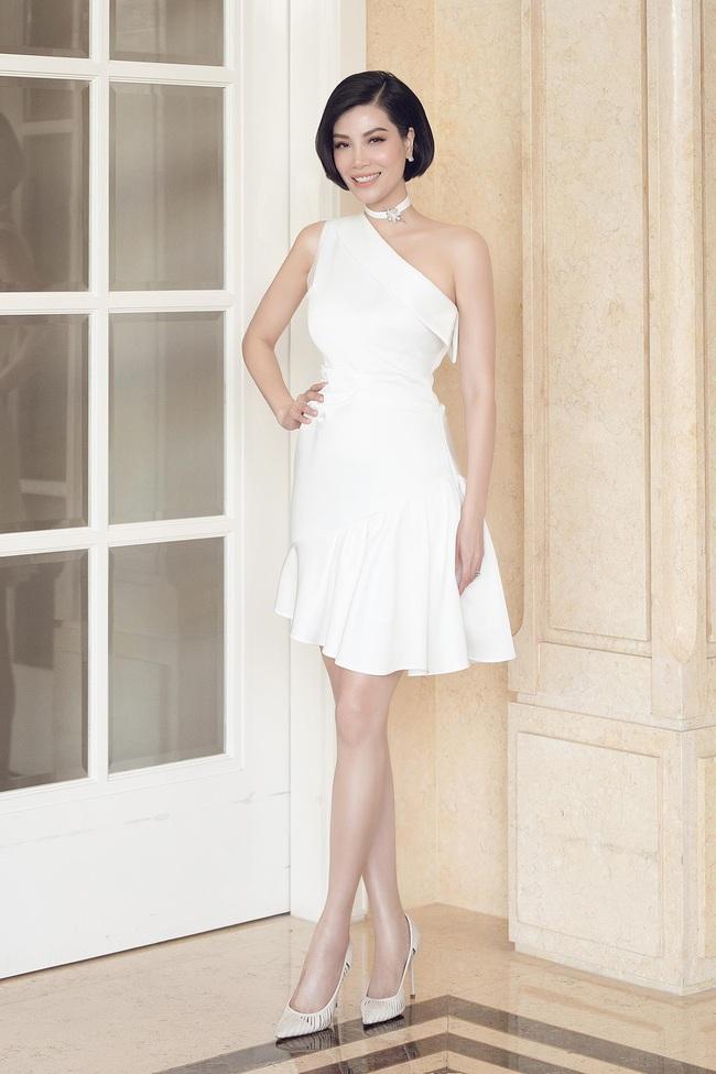 Cựu siêu mẫu Vũ Cẩm Nhung khoe eo thon, nhan sắc trẻ trung ở tuổi 43 - Ảnh 6.