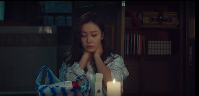 """Cách Son Ye Jin bôi serum trong """"Crash Landing On You"""" thật khiến chị em phải suy ngẫm - Ảnh 5."""