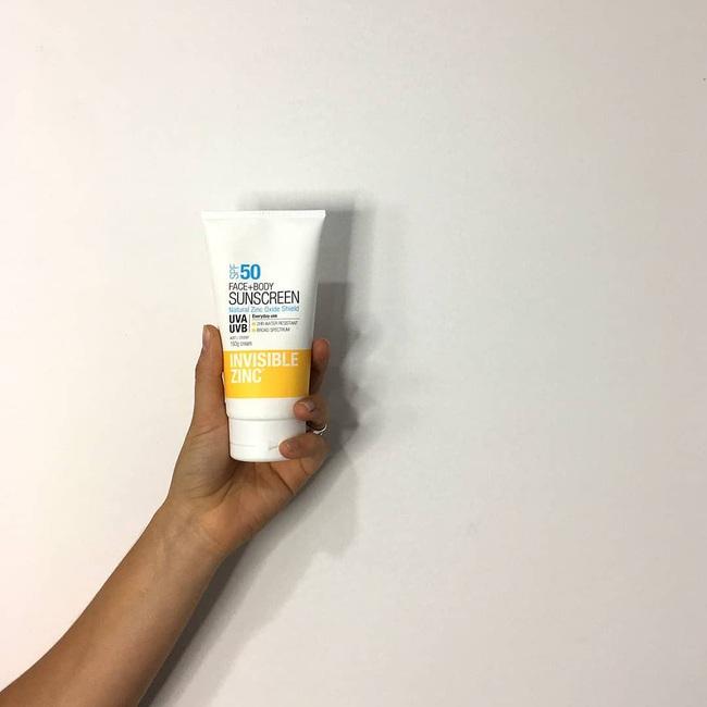 Lựa chọn của bác sĩ: 8 sản phẩm skincare lành tính giúp da bạn đẹp căng, nếu có mụn cũng sạch bong không tỳ vết - Ảnh 8.