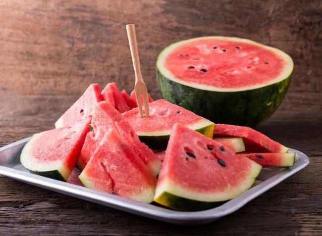 8 loại thực phẩm chớ dại bỏ vào tủ lạnh kẻo vừa nhanh hỏng vừa gây hại khôn lường - Ảnh 3.