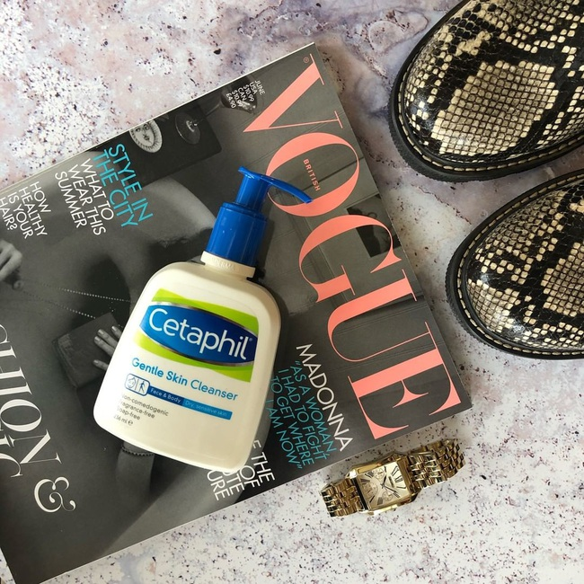 Lựa chọn của bác sĩ: 8 sản phẩm skincare lành tính giúp da bạn đẹp căng, nếu có mụn cũng sạch bong không tỳ vết - Ảnh 2.