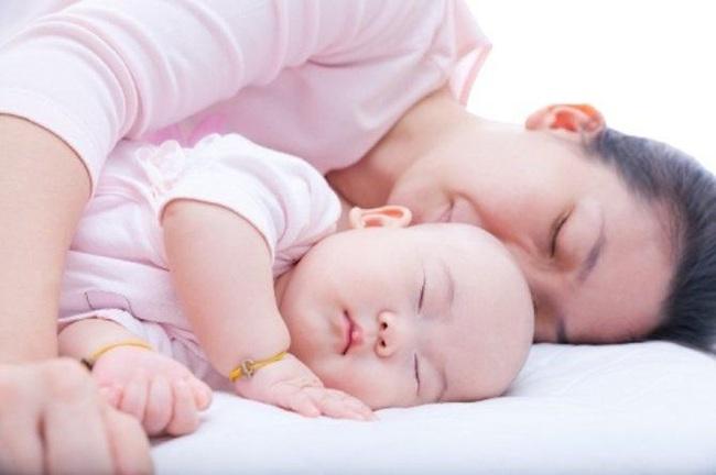 Hãy dõi theo câu chuyện của 2 bà mẹ Singapore chia sẻ về cách tạo nếp ngủ cho con và đưa ra chiến lược khôn ngoan cho giấc ngủ của bé - Ảnh 3.