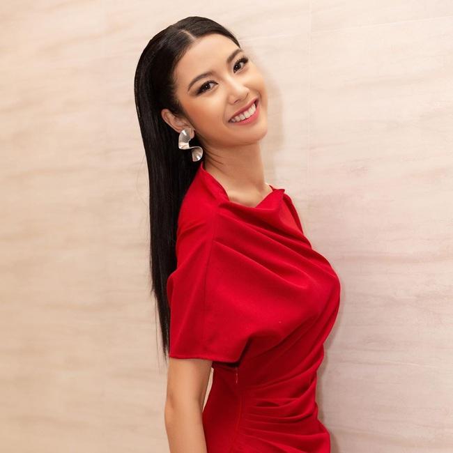 Á hậu Thúy Vân bất ngờ nhập viện nhưng bất ngờ nhất là biểu cảm trên giường bệnh - Ảnh 3.