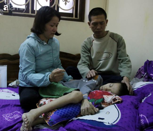 Chủ quan từ cơn đau bụng dai dẳng, cha mẹ lặng người khi con trai 9 tuổi phát hiện ung thư giai đoạn cuối   - Ảnh 6.