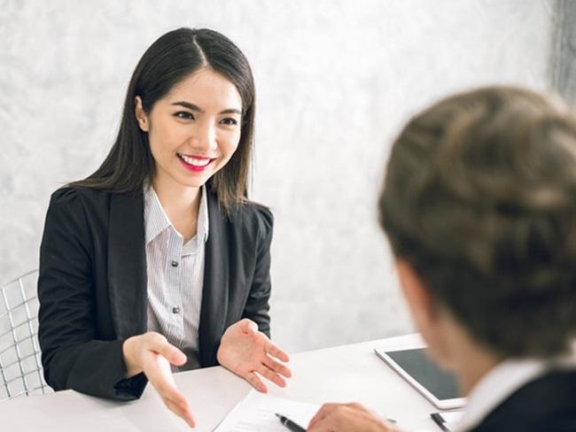 Dù phỏng vấn xin việc thất bại, cô gái trẻ vẫn được tuyển thẳng vào công ty sau một hành động bất ngờ - Ảnh 3.