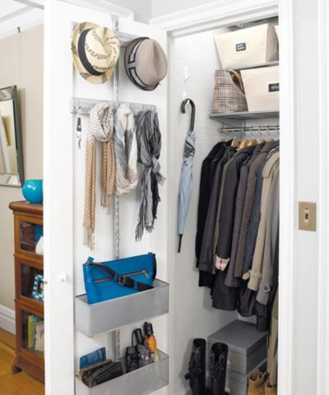 9 ý tưởng tổ chức tủ quần áo để giúp bạn không phải đau đầu mỗi khi muốn mua 1 món đồ mới mà lo không có chỗ cất - Ảnh 5.