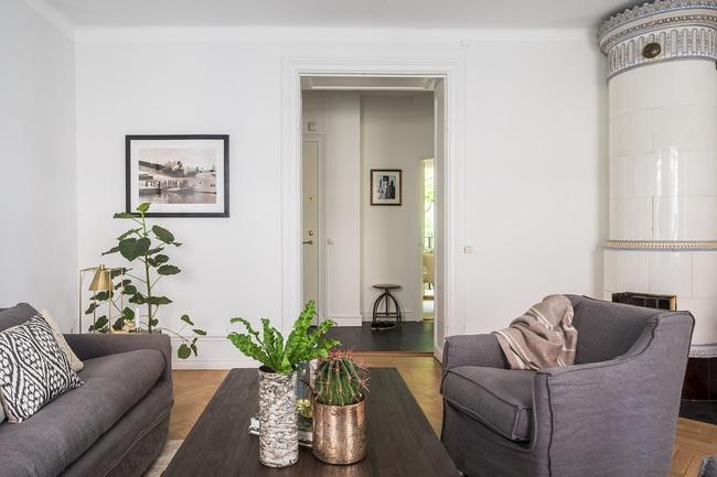 Nội thất màu sáng hài hòa trong căn hộ màu trắng xám siêu hiện đại ở Nga - Ảnh 7.