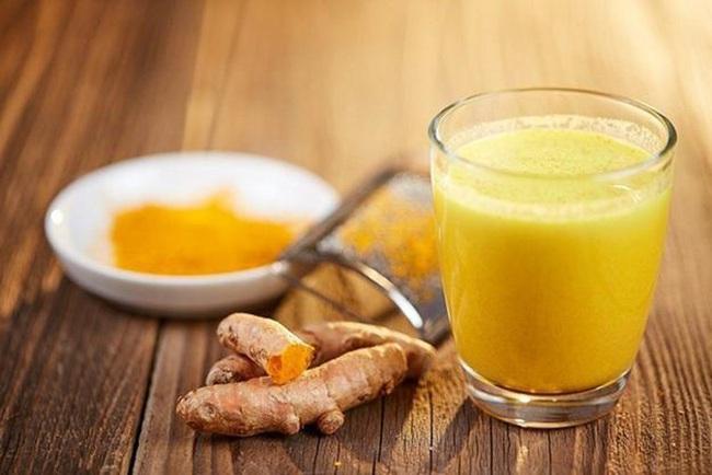Mỗi sáng mùa đông chỉ cần chăm chỉ uống một ly sữa nghệ, cơ thể bạn sẽ nhận được những lợi ích siêu tuyệt vời - Ảnh 1.