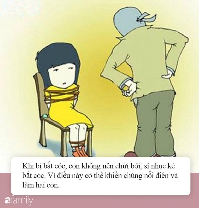 Đang ngồi với chị gái thì bị kẻ bắt cóc ập vào khống chế, nhờ hành động đầy bản lĩnh, bé trai cứu thoát cả mình lẫn chị - Ảnh 8.