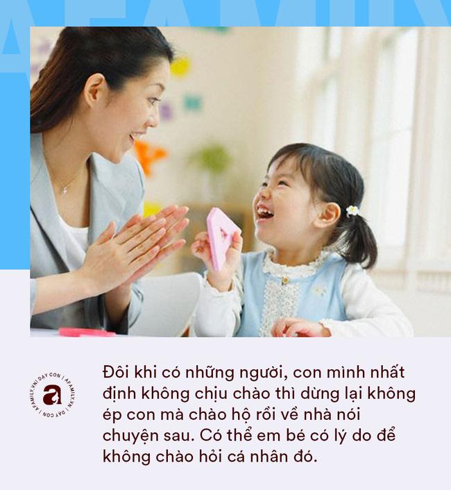 """Nhà giáo Montessori gợi ý dạy con chào hỏi đúng cách và tháo gỡ """"nỗi khổ tâm"""" của cha mẹ khi con không chịu mở lời - Ảnh 10."""