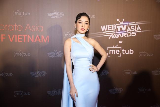 Thảm đỏ WebTVAsia Awards 2019: Nhã Phương xinh đẹp dịu dàng, Á hậu Huyền My gợi cảm khoe vòng 1 căng đầy - Ảnh 6.