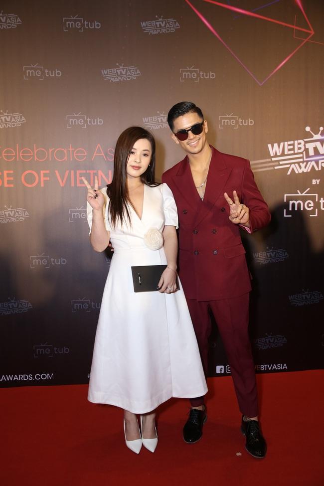 Thảm đỏ WebTVAsia Awards 2019: Nhã Phương xinh đẹp dịu dàng, Á hậu Huyền My gợi cảm khoe vòng 1 căng đầy - Ảnh 8.
