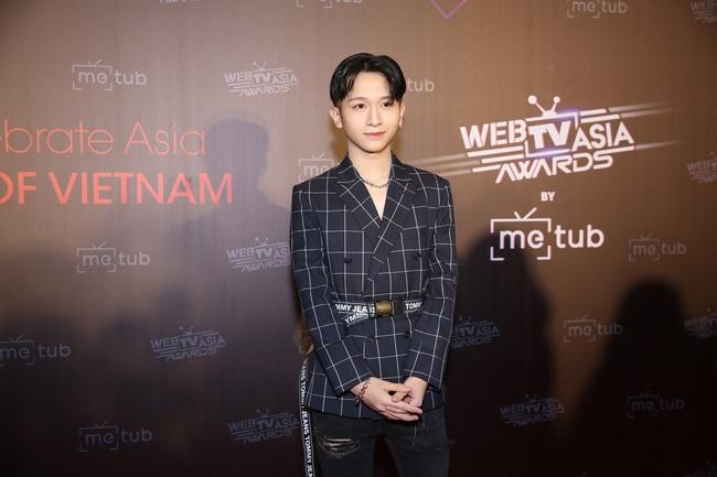 Thảm đỏ WebTVAsia Awards 2019: Nhã Phương xinh đẹp dịu dàng, Á hậu Huyền My gợi cảm khoe vòng 1 căng đầy - Ảnh 12.