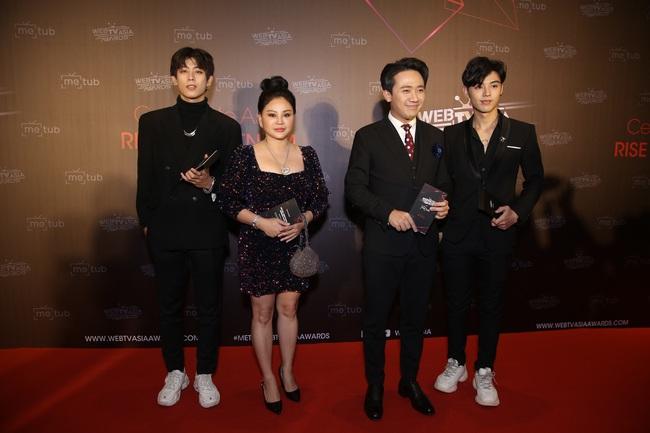 Thảm đỏ WebTVAsia Awards 2019: Nhã Phương xinh đẹp dịu dàng, Á hậu Huyền My gợi cảm khoe vòng 1 căng đầy - Ảnh 2.