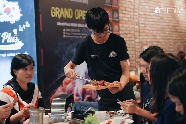 Trải nghiệm phố ẩm thực ngày đầu tiên mở cửa tại Aeon Mall Hà Đông: Hàng chục cái tên nổi tiếng, đồ ăn hấp dẫn, đông khách - Ảnh 7.