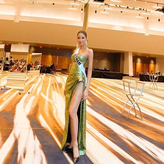 Hoàng Thùy thi Miss Universe:  - Ảnh 6.