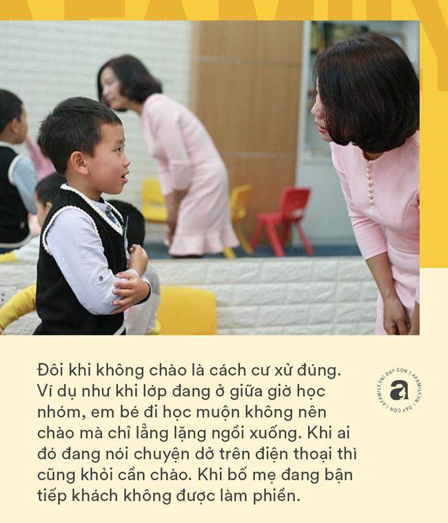 """Nhà giáo Montessori gợi ý dạy con chào hỏi đúng cách và tháo gỡ """"nỗi khổ tâm"""" của cha mẹ khi con không chịu mở lời - Ảnh 6."""