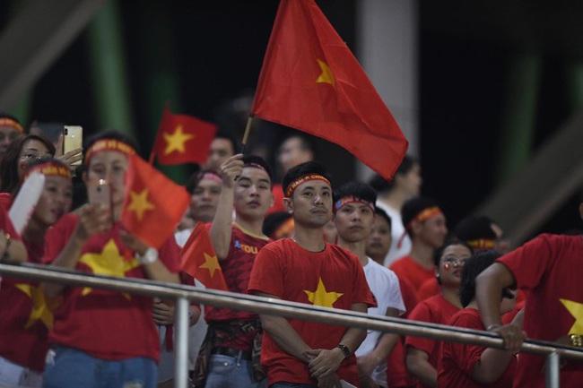 """Đội tuyển nữ bóng đá Việt Nam: 5 lần vô địch SEA Games và câu chuyện """"mơ ước được thi đấu ở SVĐ kín chỗ mà sao khó quá…"""" - Ảnh 5."""