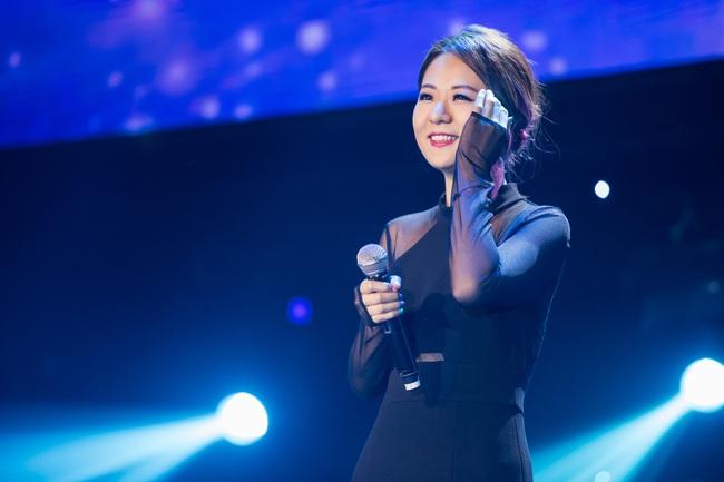 Diva Hồng Kông bị chê hát live tệ hơn Chi Pu, màn rap của Đen Vâu nhận hàng tá gạch đá  - Ảnh 5.