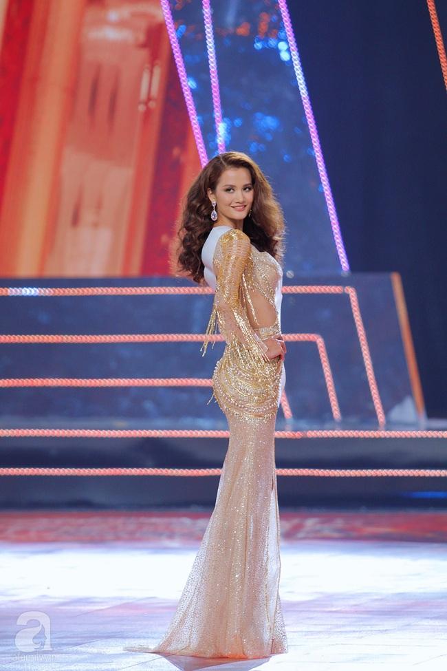 Trượt Top 3, Hương Ly ngất xỉu ngay trên sân khấu chung kết Hoa hậu Hoàn vũ Việt Nam 2019 - Ảnh 2.