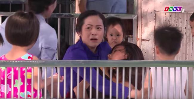 """""""Không lối thoát"""" tập 29: Anh trai Minh cặp kè sờ mó gái ngành, bỏ rơi cả Linh - Lê Bê La - Ảnh 10."""