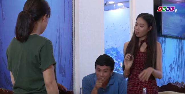"""""""Không lối thoát"""" tập 29: Anh trai Minh cặp kè sờ mó gái ngành, bỏ rơi cả Linh - Lê Bê La - Ảnh 7."""
