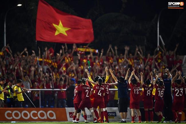 """Đội tuyển nữ bóng đá Việt Nam: 5 lần vô địch SEA Games và câu chuyện """"mơ ước được thi đấu ở SVĐ kín chỗ mà sao khó quá…"""" - Ảnh 6."""