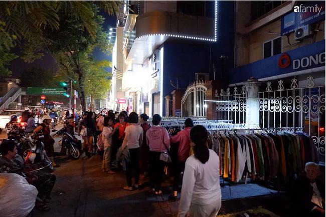 Chợ đêm Chùa Bộc, địa chỉ bán quần áo siêu rẻ dành cho hội sinh viên và chị em công nhân - Ảnh 8.