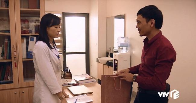 """""""Sinh tử"""" tập 25: Thâm cung kế hiểm như Vũ (Việt Anh), đi """"cửa sau"""" để đút lót nhưng gặp phải vợ sếp quá """"cứng"""" - Ảnh 2."""