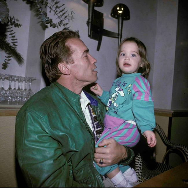 """Ông bố ngôi sao """"Kẻ hủy diệt"""" Arnold Schwarzenegger – Được mệnh danh ông bố quốc dân chẳng kém sao Hàn - Ảnh 12."""