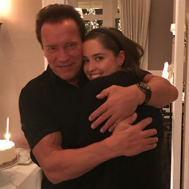 """Ông bố ngôi sao """"Kẻ hủy diệt"""" Arnold Schwarzenegger – Được mệnh danh ông bố quốc dân chẳng kém sao Hàn - Ảnh 13."""