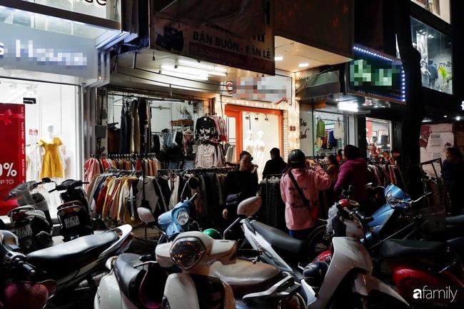 Chợ đêm Chùa Bộc, địa chỉ bán quần áo siêu rẻ dành cho hội sinh viên và chị em công nhân - Ảnh 11.