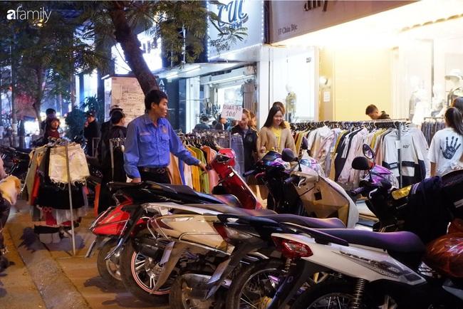 Chợ đêm Chùa Bộc, địa chỉ bán quần áo siêu rẻ dành cho hội sinh viên và chị em công nhân - Ảnh 12.