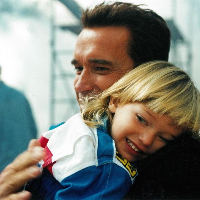"""Ông bố ngôi sao """"Kẻ hủy diệt"""" Arnold Schwarzenegger – Được mệnh danh ông bố quốc dân chẳng kém sao Hàn - Ảnh 8."""
