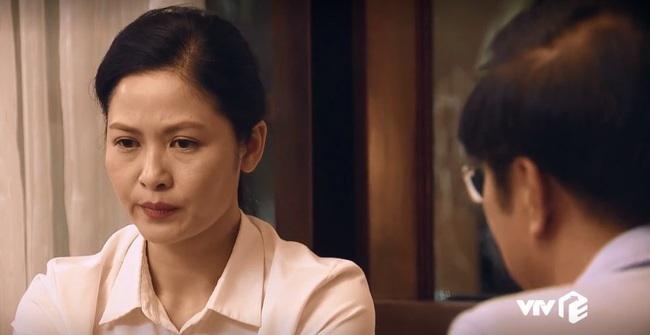 """""""Sinh tử"""" tập 25: Thâm cung kế hiểm như Vũ (Việt Anh), đi """"cửa sau"""" để đút lót nhưng gặp phải vợ sếp quá """"cứng"""" - Ảnh 8."""