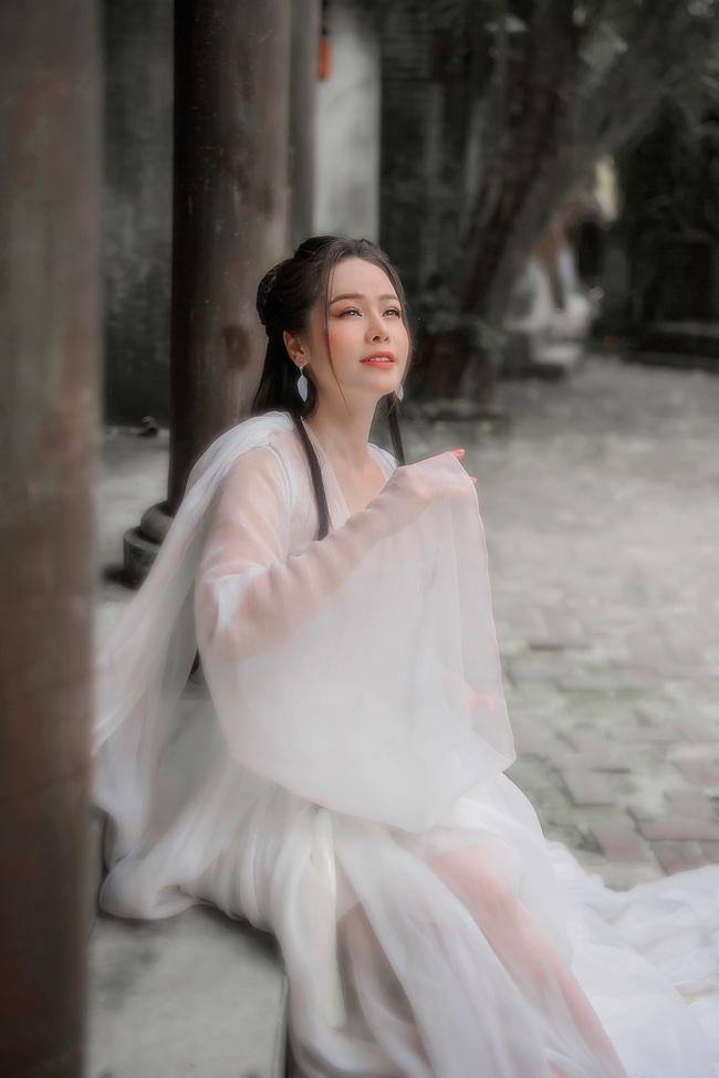 """Sau khi gây bão với """"Tiếng sét trong mưa"""", Nhật Kim Anh tung ảnh cổ trang, bất ngờ hóa tiên nữ - Ảnh 2."""