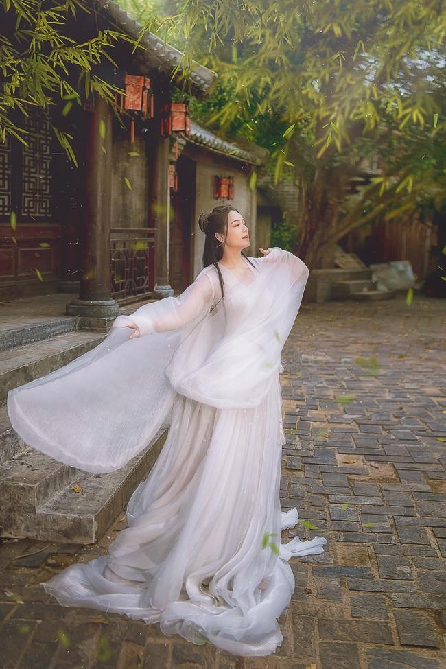 """Sau khi gây bão với """"Tiếng sét trong mưa"""", Nhật Kim Anh tung ảnh cổ trang, bất ngờ hóa tiên nữ - Ảnh 3."""