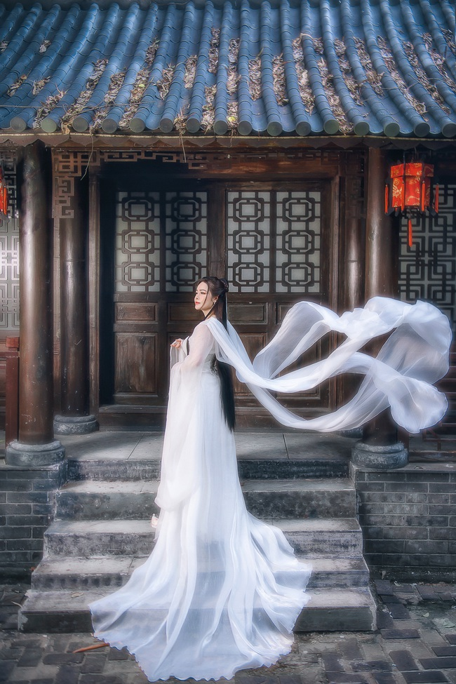 """Sau khi gây bão với """"Tiếng sét trong mưa"""", Nhật Kim Anh tung ảnh cổ trang, bất ngờ hóa tiên nữ - Ảnh 6."""