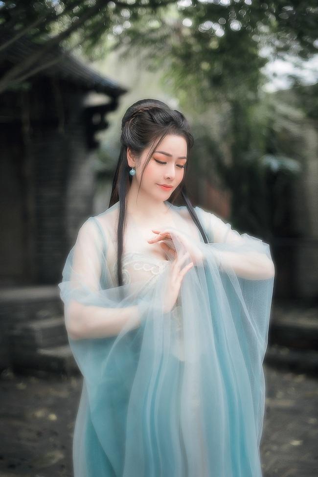 """Sau khi gây bão với """"Tiếng sét trong mưa"""", Nhật Kim Anh tung ảnh cổ trang, bất ngờ hóa tiên nữ - Ảnh 10."""