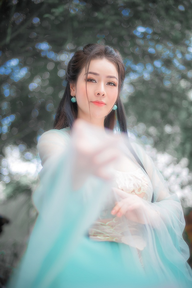 """Sau khi gây bão với """"Tiếng sét trong mưa"""", Nhật Kim Anh tung ảnh cổ trang, bất ngờ hóa tiên nữ - Ảnh 12."""