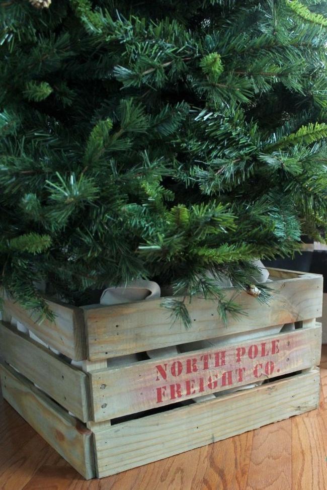 Những ý tưởng decor giá đỡ cây thông vừa nhanh chóng vừa tiết kiệm tạo nét độc đáo cho nhà bạn dịp Noel - Ảnh 11.