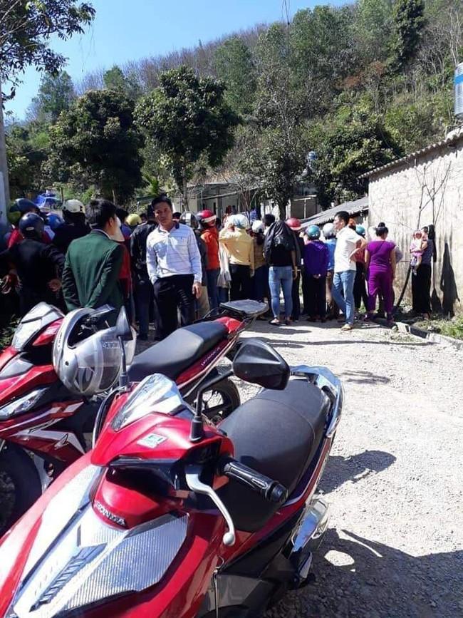 NÓNG: Khám xét nhà nghi phạm vụ sát hại nữ sinh ship gà cho mẹ chiều 30 Tết ở Điện Biên - Ảnh 1.