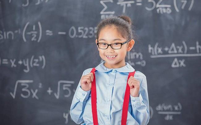 """Đầu năm """"học lỏm"""" ngay 5 phương pháp dạy con trở thành đứa trẻ tự tin của những ông bố bà mẹ thông thái - Ảnh 1."""