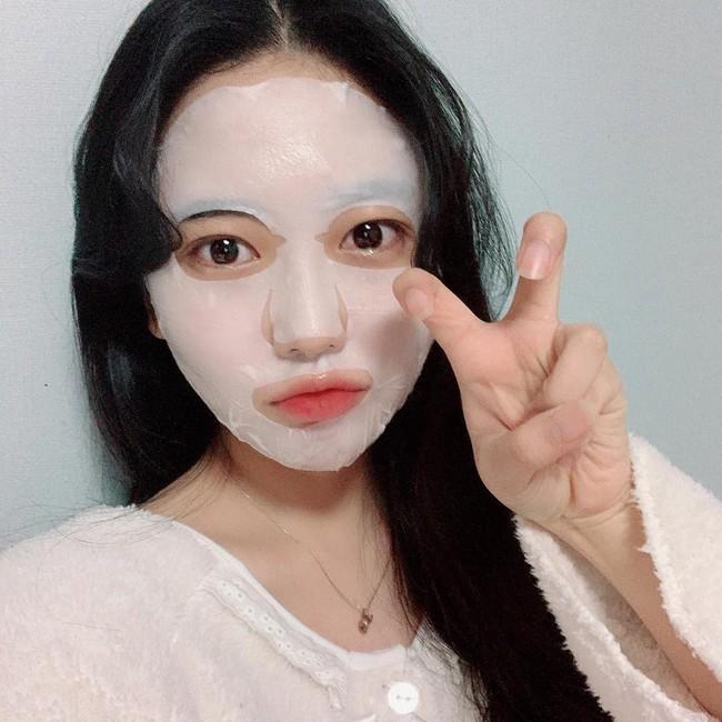Nếu đắp mặt nạ giấy mà thấy da đẹp lên tức thì, bạn nên cảnh giác bởi nó có thể chứa thành phần nguy hiểm gây hỏng da này - Ảnh 3.