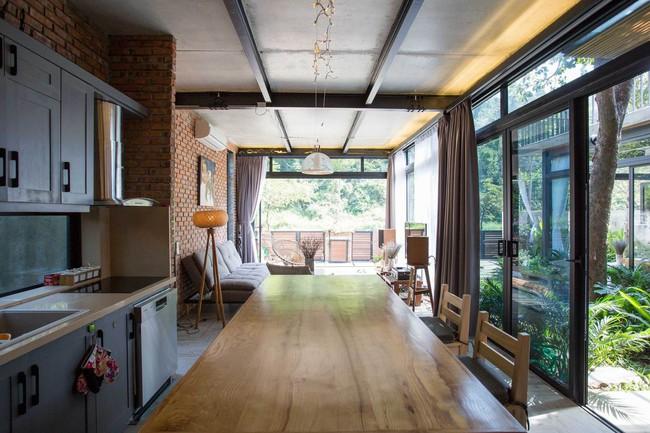 Hai ngôi nhà riêng biệt gộp chung thành biệt thự sang chảnh giữa núi đồi mênh mông của hai người bạn thân ở Đà Nẵng - Ảnh 14.