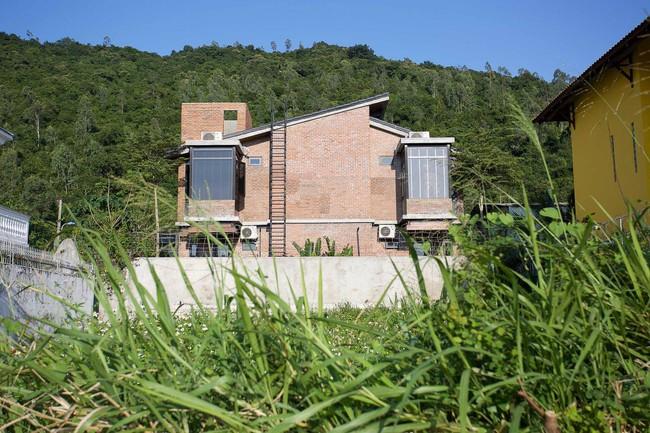Hai ngôi nhà riêng biệt gộp chung thành biệt thự sang chảnh giữa núi đồi mênh mông của hai người bạn thân ở Đà Nẵng - Ảnh 19.