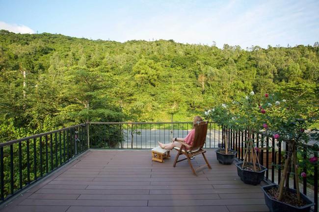 Hai ngôi nhà riêng biệt gộp chung thành biệt thự sang chảnh giữa núi đồi mênh mông của hai người bạn thân ở Đà Nẵng - Ảnh 18.