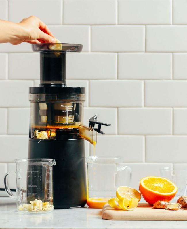 Tác dụng nước cam: Tăng tác dụng nước cam gấp 10 lần nhờ bí kíp này - Ảnh 2.